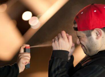 Сальчанину в драке у ресторана брызнули из газового баллончика в лицо
