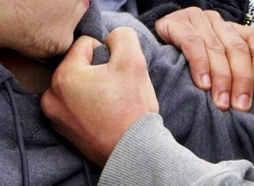 В Сальске в драке в караоке-баре пострадали двое мужчин