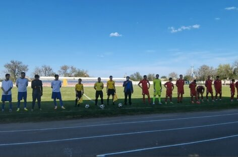 На сальском стадионе «Локомотив» состоялся 3-й тур Кубка губернатора