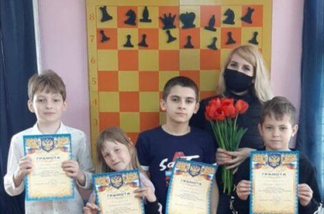 В Сальске прошел детский шахматный турнир, посвященный празднику Весны и Труда !