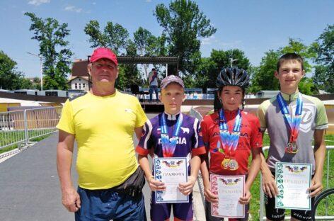 Успех сальских велосипедистов