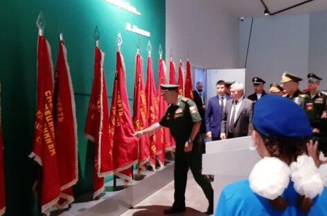 Донской губернатор и министр обороны рассмотрели перспективы развития патриотического комплекса у «Самбекских высот»