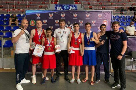 Сальские боксёры поедут в Кемерово