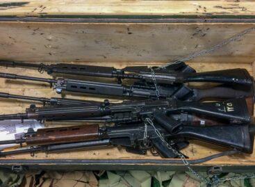 Сальчанам предлагают сдавать оружие и получать вознаграждение