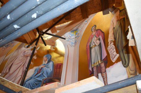 Стены храма в Сальске украсят сцены из жизни Христа и лики святых