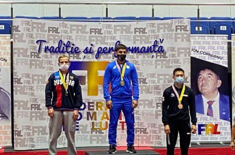 Гигантовский борец стал чемпионом международного турнира
