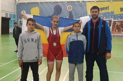 Сальские тяжелоатлеты показали силу на Кубани и в Шахтах