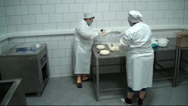 Масло, сыры и не только… Сальский молзавод работает без перебоев