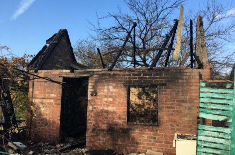 В Сальском районе сгорела дача